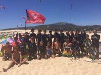 Alumnos de la escuela de kite