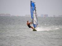Windsurfista en aguas de Murcia
