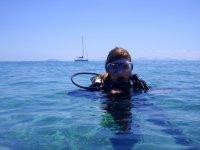 在兰萨罗特岛练习潜水