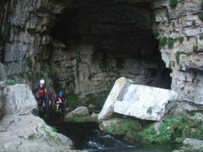 Espeleología Cueva de los Chorros Río Mundo
