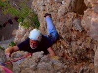 Escalando por la roca