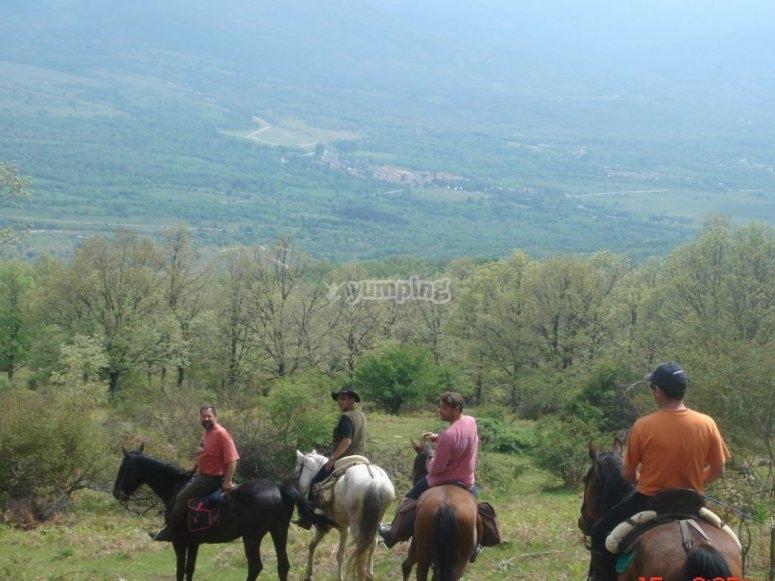 Bajando el valle a caballo