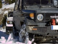 4x4 in the snow