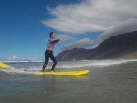 Durante la lezione di surf