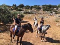 Incontra la Serrania de Ronda a cavallo