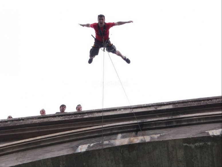 Salta desde el puente de Murillo