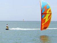 专业人士教授的风筝冲浪课程