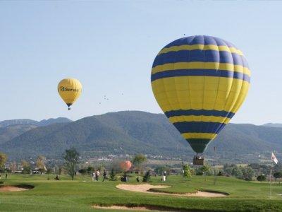 Volo in mongolfiera privato attraverso Barcellona Montseny