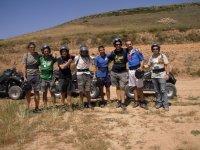 Fotografía de grupo tras la ruta de Quad