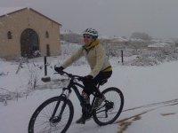 En bici en dia nevado