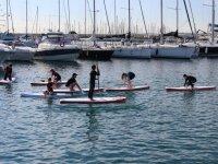 Alumnos de sup frente a los barcos