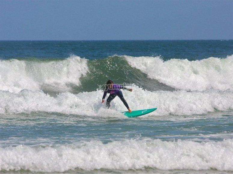 Escuela Cántabra de Surf Quiksilver Roxy