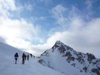 Descubre picos y cumbres