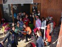 Quedada de amigos para hacer snowboard