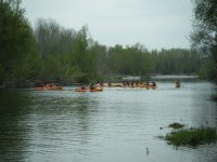 Departure with the kayaks on the river