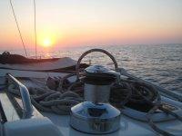 Puesta de sol durante el viaje en barco