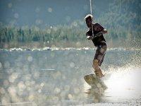 esquiador acuatico