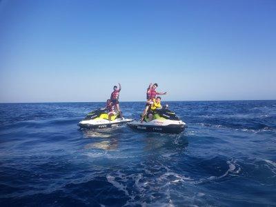 用水上電單車去泰拜爾蓋島旅游,2小时