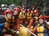 foto grupo de rafting