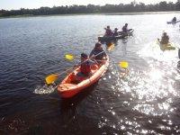 划独木舟团体独木舟旅行在韦斯卡