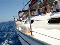 Disfrutando de la jornada en el barco