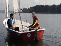 En el velero con el instructor