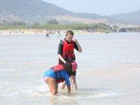 Companeras de kite en el agua