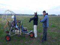 Paramotor en el campo
