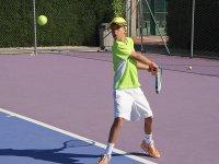 Golpeando con la raqueta
