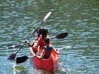 Avanzando en canoa de tres