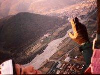 照片来自滑翔伞