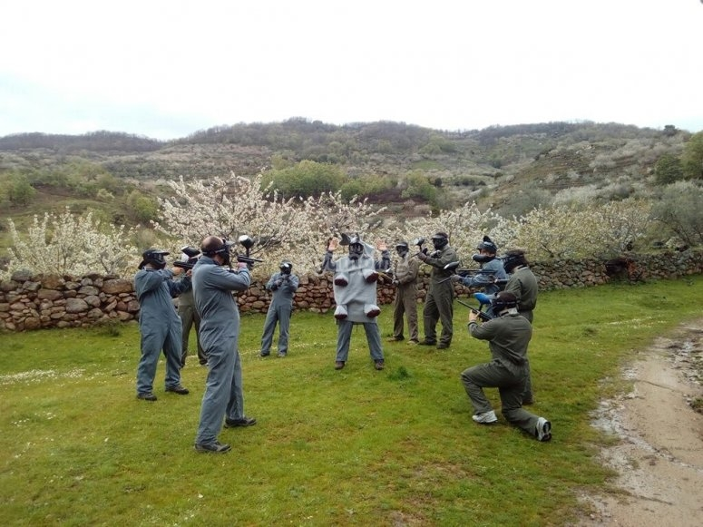"""Paintball 100 bolas en el Valle del Jerte"""