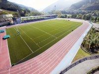 Campo de rugby y pista de atletismo en el polideportivo