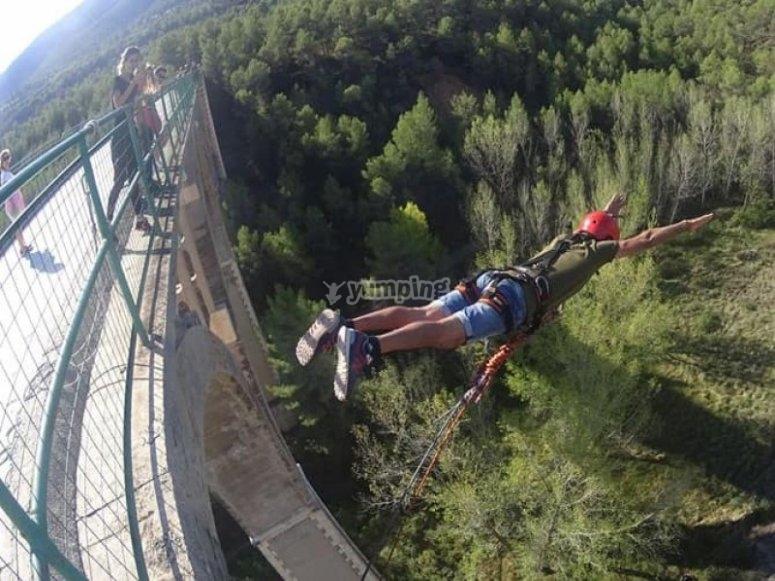 Salto de Puenting desde el puente del infierno