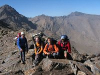 登山滑翔伞峡谷徒步旅行