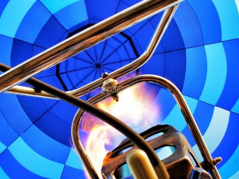 Llenando el globo de aire caliente