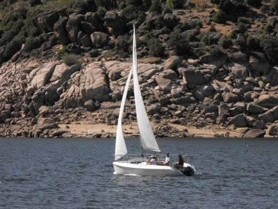 3 ore di lezione di vela a El Burguillo, battesimo