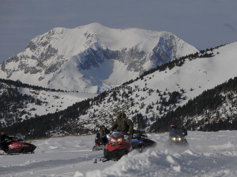 Monta en moto de nieve