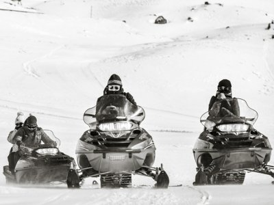 30-Minutes Two-Seater Snowmobile in Cerler