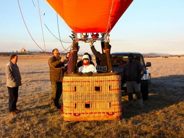 Bien equipados para volar en globo