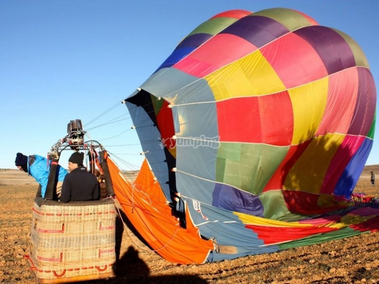The process of inflating the balloon in Madrid