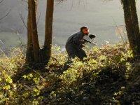 森林彩弹射击运动员