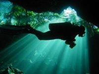 Entrando a cuevas submarinas