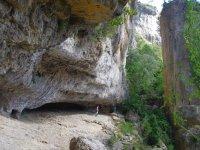 adentrate en las rocas