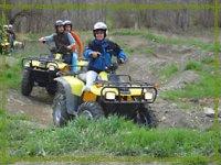 Siguiendo a la monitora con el moto quad