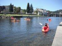 划独木舟作为活动