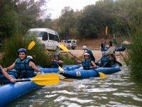 Uscendo in canoa zattera