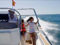 Disfrutando del viaje en barco