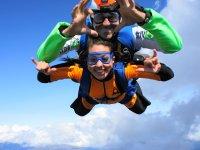Oferta Paracaidismo t�ndem fotos y v�deo handy y regalo
