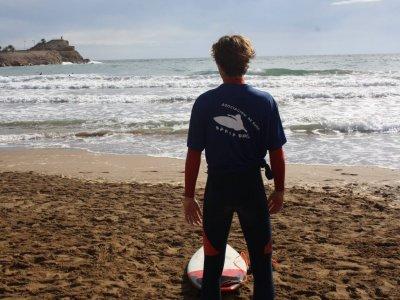 Viviendo las olas de Mazarrón con Bahía Surf